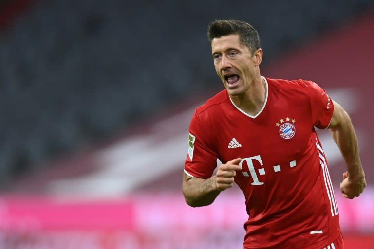 Lewandowski hits four as jaded Bayern win seven-goal thriller with Hertha