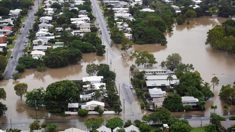 Townsville flooding: Water levels in the Ross River Dam dropped to 211 <g class=