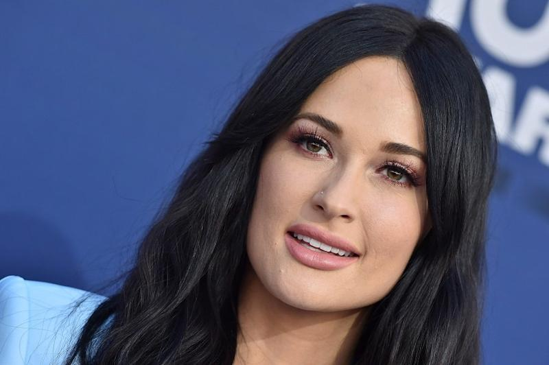 Kacey Musgraves just perfectly called out country radio stations for not playing enough women artists