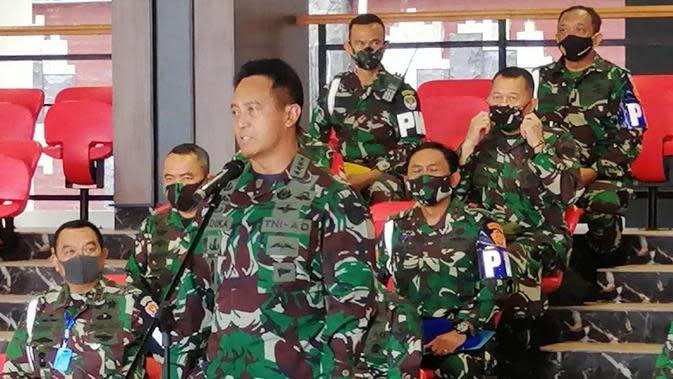 KSAD Jenderal TNI Andika Perkasa memberikan keterangan soal perusakan Polsek Ciracas dan sekitarnya, Jakarta, Minggu (30/8/2020). (dok TNI AD)