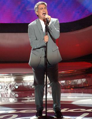 Taylor Hicks performs on May 16 FOX's American Idol
