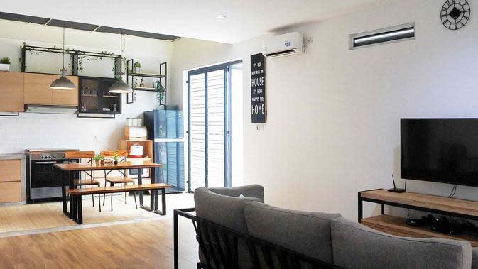 Konsep ruangan terbuka di desain rumah industrial minimalis. (dok. Arsitag)