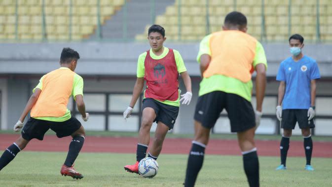 Pemain Timnas Indonesia U-16, Marcell Januar Putra, saat pemusatan latihan di Stadion Patriot Candrabhaga, Bekasi, Senin (6/7/2020). Timnas Indonesia U-16 terus menggelar persiapan sebelum berkiprah di Piala AFC U-16 2020. (Dokumentasi PSSI)