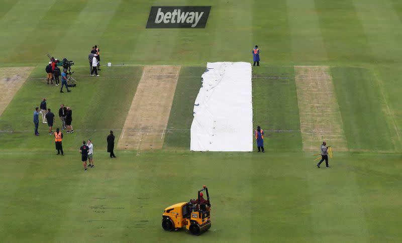 South Africa v England - Fourth Test