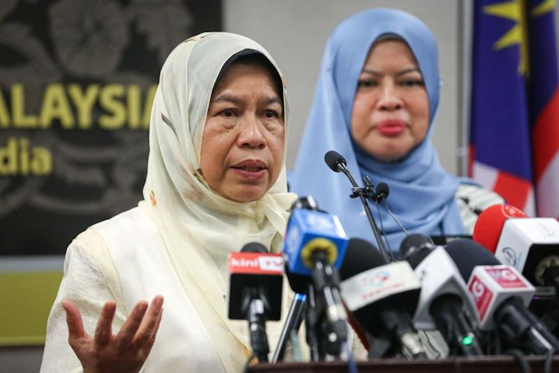 Zuraida confirmed that the 11 MPs who helped form the Perikatan Nasional government have not joined Bersatu yet. — Picture by Yusof Mat Isa