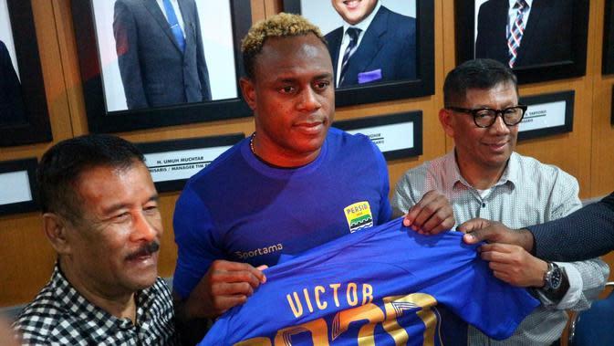 Victor Igbonefo (Kukuh Saokani)