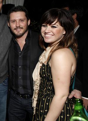 Kelly Clarkson Is 'Super Happy,' 'In Love' With Boyfriend
