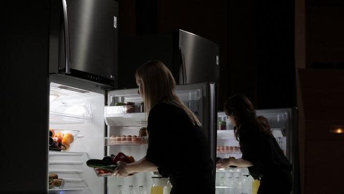 Ternyata, banyak kerugian yang dapat diakibatkan karena kesalahan penyimpanan makanan di kulkas, salah satunya adalah sayuran. (LG)