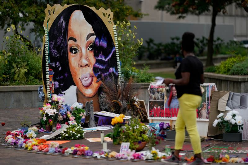 Two police officers shot amid Louisville protests over Breonna Taylor ruling