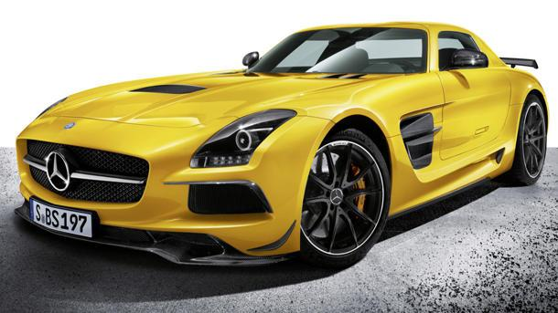 2014 Mercedes SLS AMG Coupe Black Series puts on the blitz