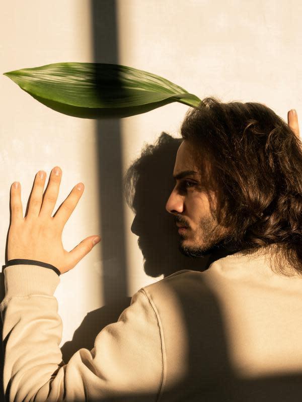 Ilustrasi rambut panjang pria   pexels.com