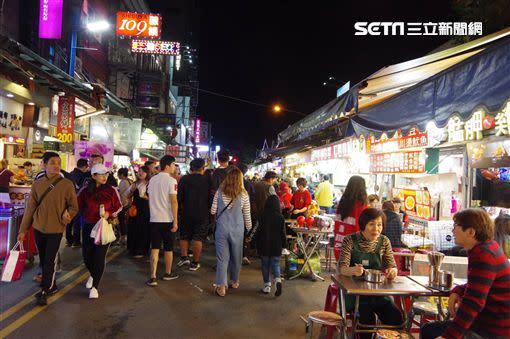 羅東夜市是許多人去宜蘭玩必訪的夜市。(圖/資料照)