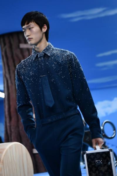 Salaryman 2.0: Louis Vuitton designer Virgil Abloh tried to reinvent the business suit