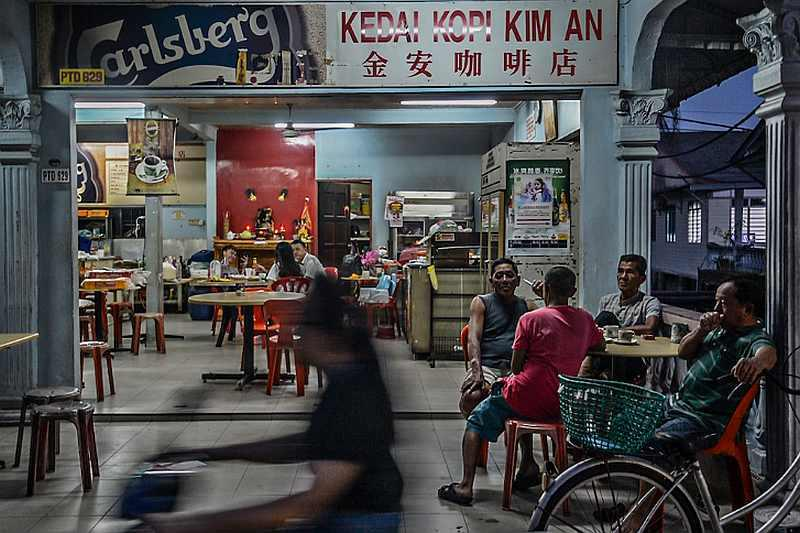 Coffee shop owners have been through a difficult period since the MCO first began in March, with many smaller businesses being forced to shut down. — Picture by Shafwan Zaidon