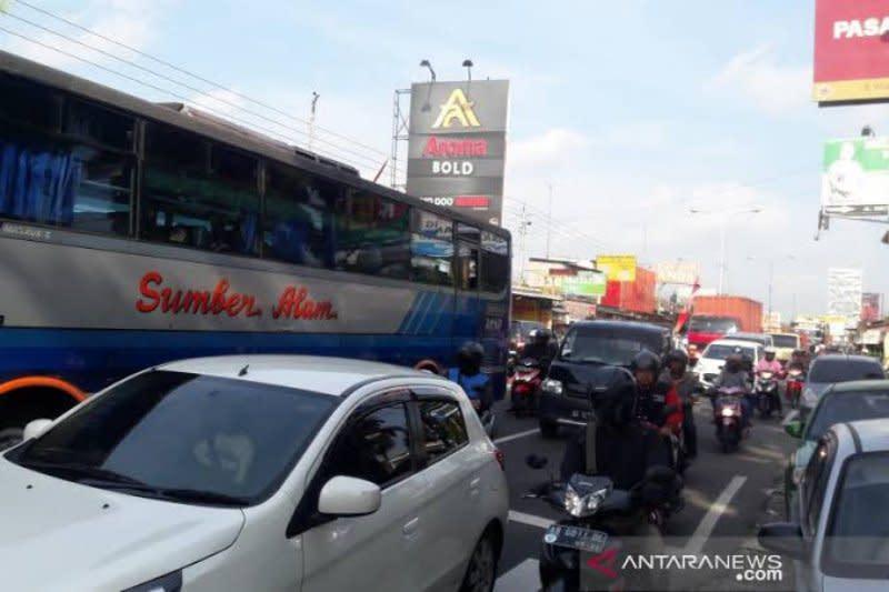 Arus kendaraan di perbatasan Bantul mayoritas dari Jateng-Jabar