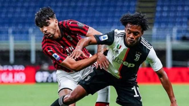 Duel AC Milan vs Juventus.