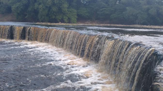 Air Sungai Bengawan Solo di Blora Kembali Keruh dan Berbuih