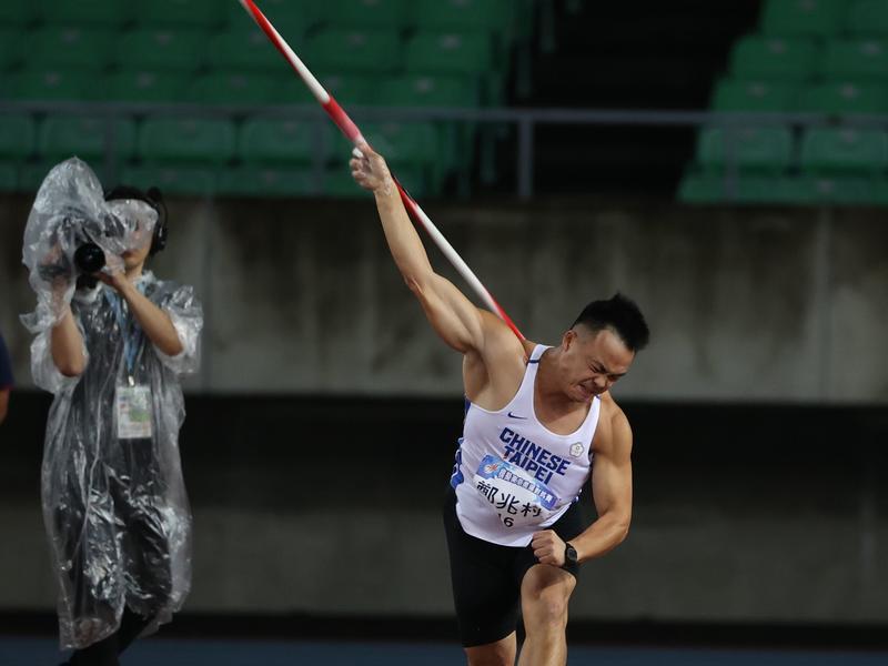 雨中競賽 鄭兆村自認成績「有及格」