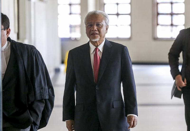 Former finance minister II Datuk Seri Ahmad Husni Hanadzlah is pictured at the Kuala Lumpur High Court August 6, 2019. — Picture by Firdaus Latif