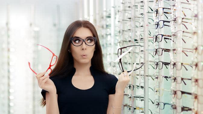 ilustrasi periksa mata ke dokter/shutterstock