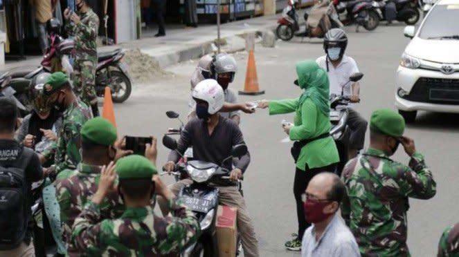 Gerakan peduli masker Prajurit Kodam Iskandar Muda Aceh