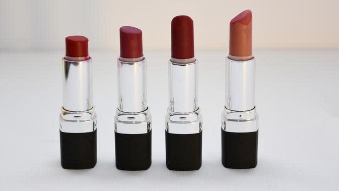 ilustrasi lipstik dan lipgloss/pexels