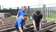 影/百果山湶洲寮卡達車休憩區 看台木板整修