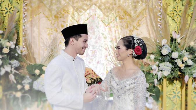 Pernikahan (Instagram @thepotomoto)