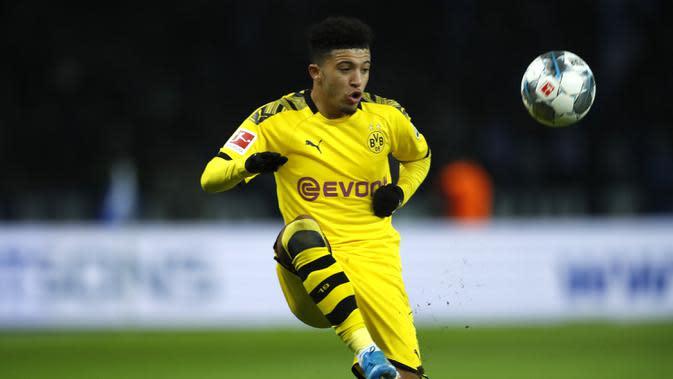 Jadon Sancho - Jadon Sancho menjadi incaran banyak klub raksasa saat ini berkat penampilan apiknya bersama Borussia Dortmund. Pemain asal Inggris ini bisa menjadi penggati Lionel Messi bila hengkang dari Barcelona. (AFP/Odd Andersen)