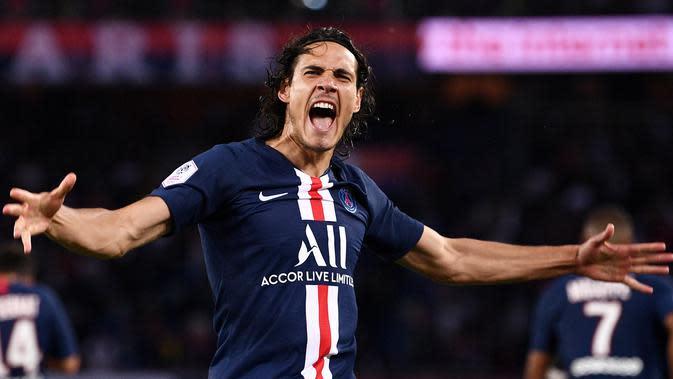 4. Edinson Cavani (PSG) – Pria 32 tahun ini memiliki karir gemilang bersama Les Parisiens. Namun kehadiran striker muda seperti Mbappe, Neymar dan Icardi akan membuatnya berpikir hengkang saat kontraknya habis di akhir musim nanti. (AFP/Franck Fife)