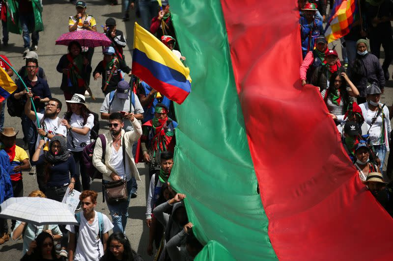 Ten of thousands of protesters mark third national strike in Colombia