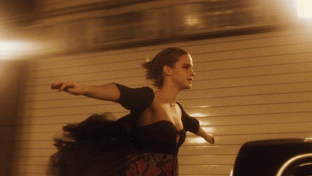 'Harry Potter' star Emma Watson embraces her acting career with the surefire hit 'The Perks of Being a Wallflower'