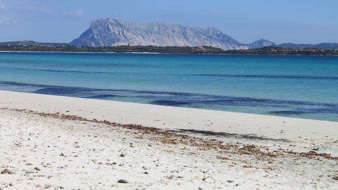 Salah satu pantai di Pulau Sardinia. (dok. Pixabay/Novi Thedora)