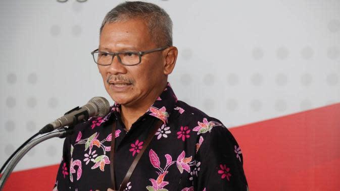 Juru Bicara Gugus Tugas Percepatan Penanganan COVID-19 Achmad Yurianto menjelaskan rapid test Corona massal saat konferensi pers secara live di Graha BNPB, Jakarta pada Sabtu (21/3/2020). (Dok Badan Nasional Penanggulangan Bencana/BNPB)
