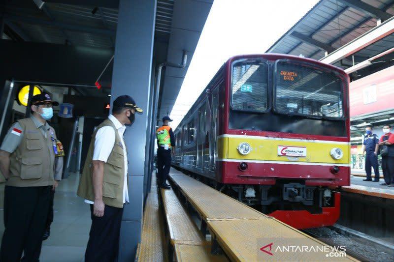 Senin hingga pukul 20.00, KRL angkut lebih dari 287.000 penumpang