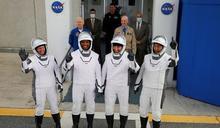 SpaceX飛龍號載太空人 佛州順利升空