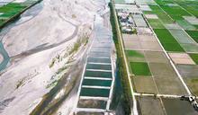 水覆蓋+綠覆蓋抑制風吹砂 九河局打造最美夢幻河床