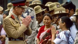 菲利普親王與香港:日本投降後給添馬艦蜑家女工派糖果的日子