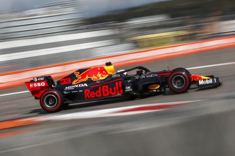 Mercedes tidak akan pasok power unit untuk Red Bull