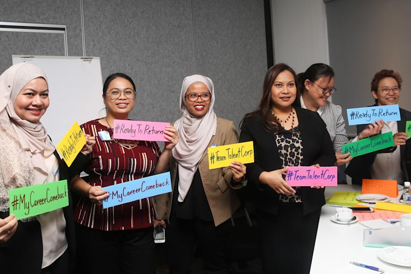 Attendees of the Career Comeback Workshop at Baker Hughes Malaysia learnt how to harness the power of social media to increase their visibility to employers. — Pictures by Choo Choy May