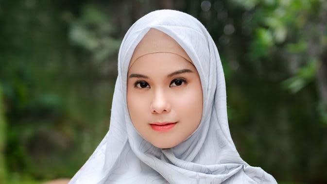 Potret Annisa Pohan dalam balutan hijab. (Sumber: Instagram/annisayudhoyono)