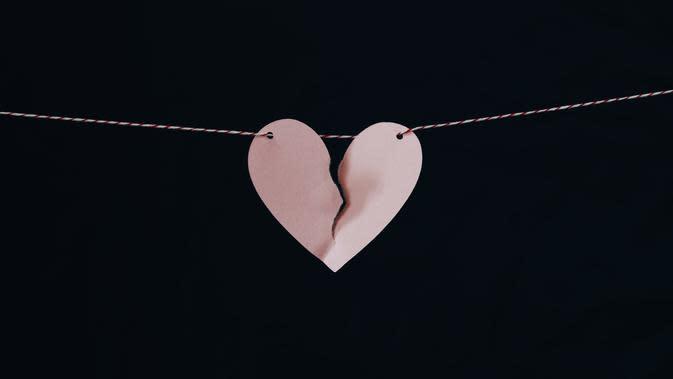 Jangan terburu-buru, Ini tanda-tanda kamu belum siap memulai hubungan yang baru usai putus cinta. (Photo: Kelly Sikkema/ Unsplash)