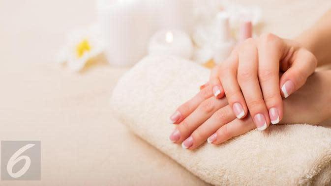 Ingin mendapatkan kulit tangan yang halus dan lembut? Coba lakukan trik berikut ini. (Foto: iStockphoto)