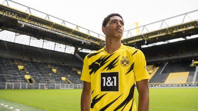 Mengapa Manchester United 2 Kali Dibuat Gigit Jari Borussia Dortmund?