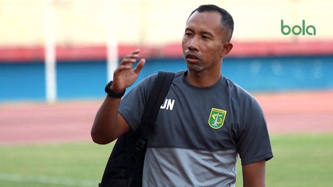 Uston Nawawi, Asisten Pelatih Persebaya Berstatus Direktur Teknik
