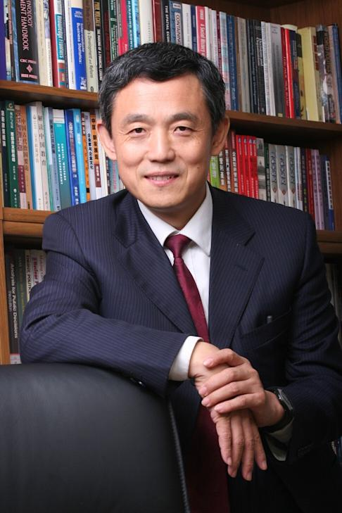 Xue Lan, director of the National New Generation Artificial Intelligence Governance Committee under China's Ministry of Science and Technology. He also serves as dean of Schwarzman College at Tsinghua University in Beijing. Photo: Handout
