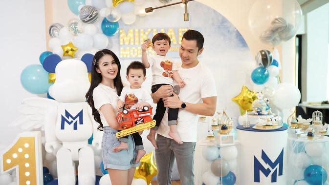 Potret ulang tahun anak kedua Sandra Dewi yang genap berusia 1 tahun. (Sumber: Instagram/@sandradewi88)