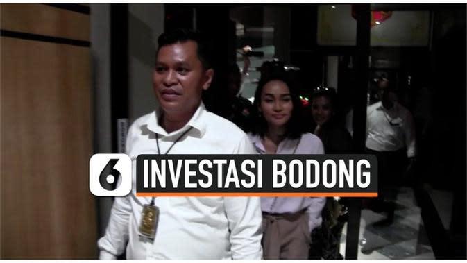 VIDEO: Investasi Bodong, Polisi Sita Mobil Artis Eka Deli