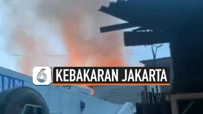VIDEO: Ledakan Kompor Gas Menghanguskan 4 Rumah Kontrakan