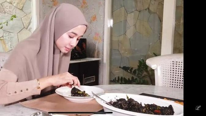 Dapur rumah Laudya Cynthia Bella. (YouTube LCB Channel)